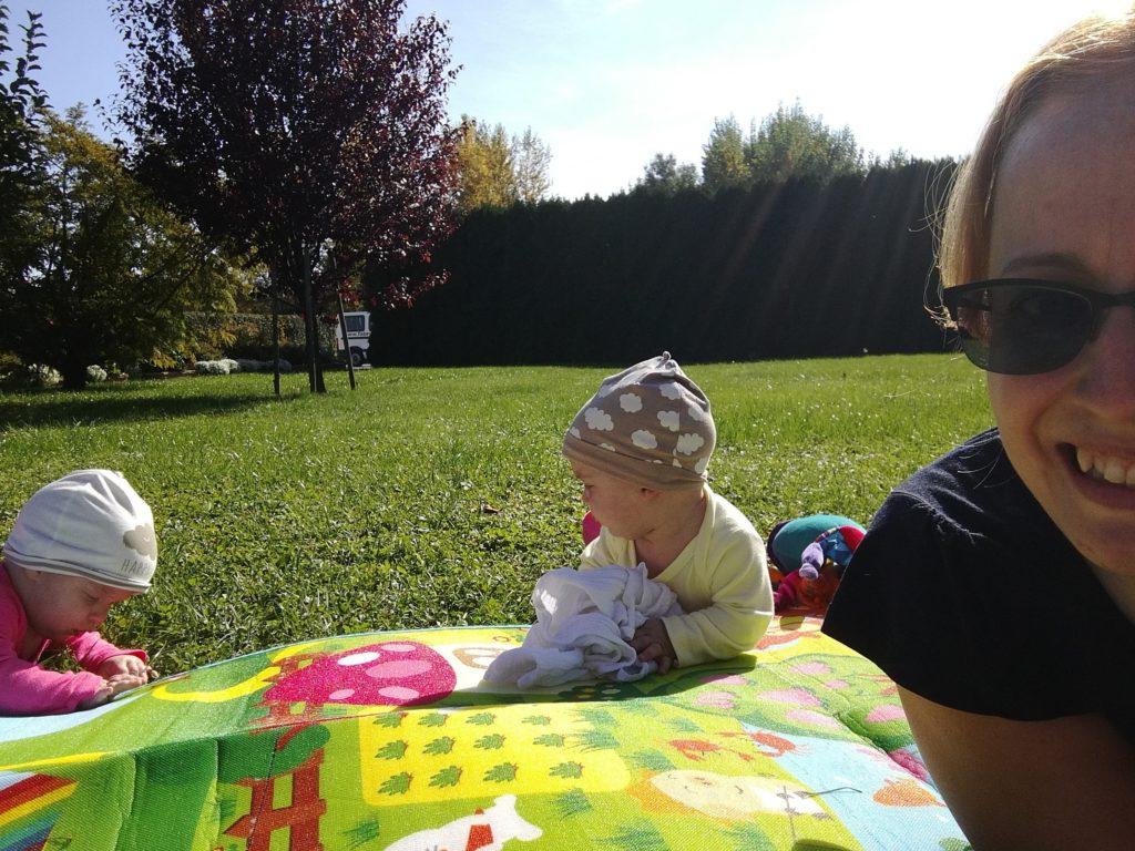 Vénasszonyok nyara - piknik a Hotel Katalin kertjében